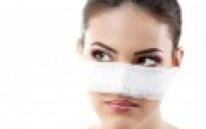 Nasenkorrektur – Behandlungsmöglichkeiten und Risiken