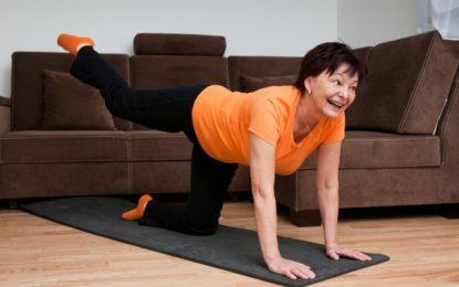 Fit vorm TV – 5 einfache Übungen fürs Wohnzimmer